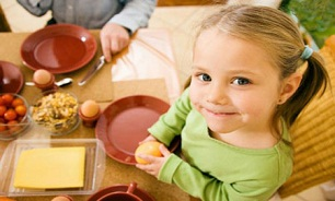 👧تشویق کودکان به مصرف صبحانه آنها را از ابتلا به بیماری های زیر محفوظ میدارد: